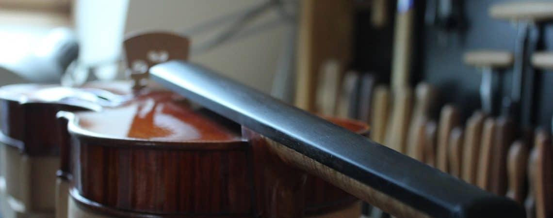 le métier de luthier et ses montages