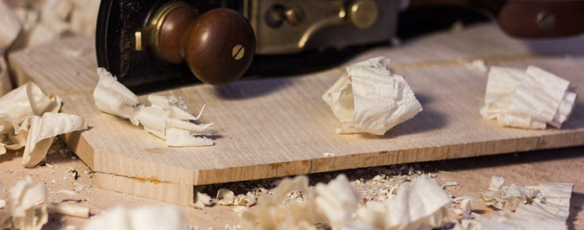 Apprenez les techniques de lutherie et la manipulation des outils lors des cours du soir de lutherie