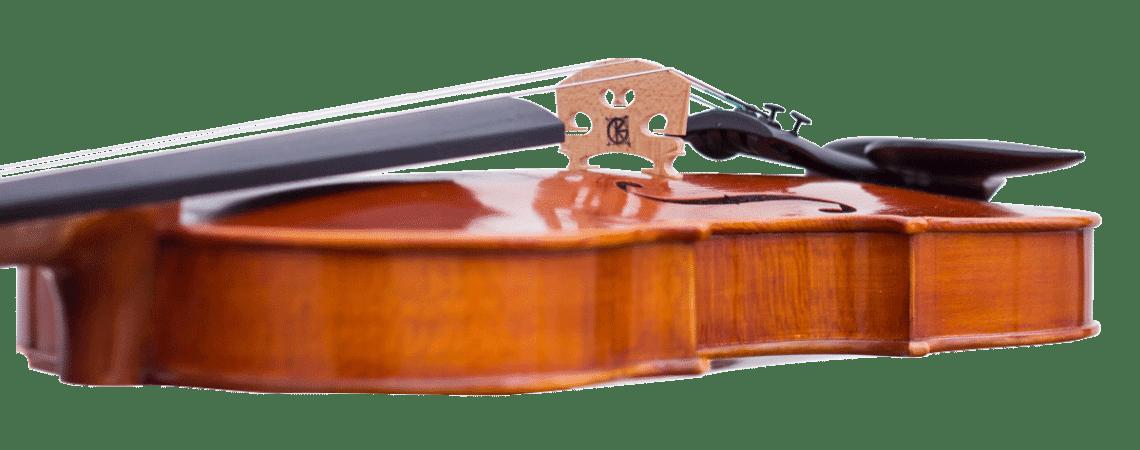 Chaque violon est soigneusement monté et préparé sur commande.