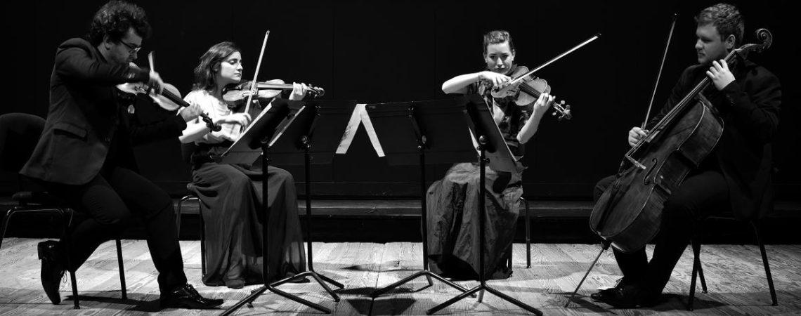 Le quatuor à cordes Alberta - deux violons, un alto et un violoncelle