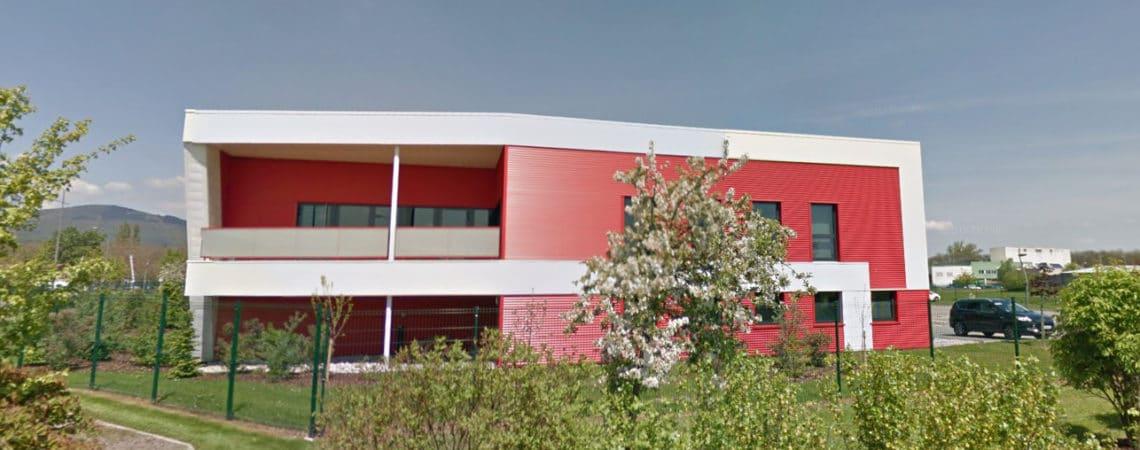Le centre d'élevage et de conception près de Sélestat, on peut aisément l'appercevoir depuis la voie rapide entre Colmar et Strasbourg.