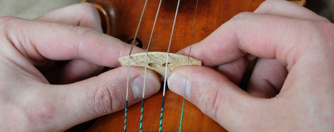 redresser son chevalet sans risque sur un violon