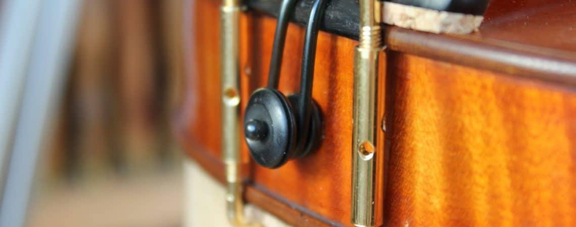 bouton et sillet pour installer et régler son cordier