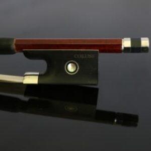 la hausse d'un archet en carbone Coruss Deluxe pour violon