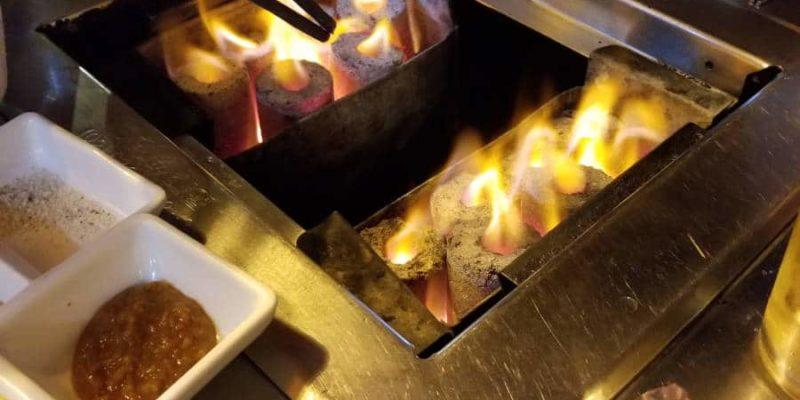 Barbecue à la flamme
