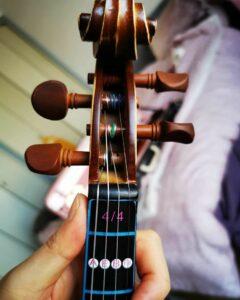 Guide de montage de corde pour violon