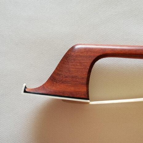 Archet Florian Bailly pour violoncelle - tête face