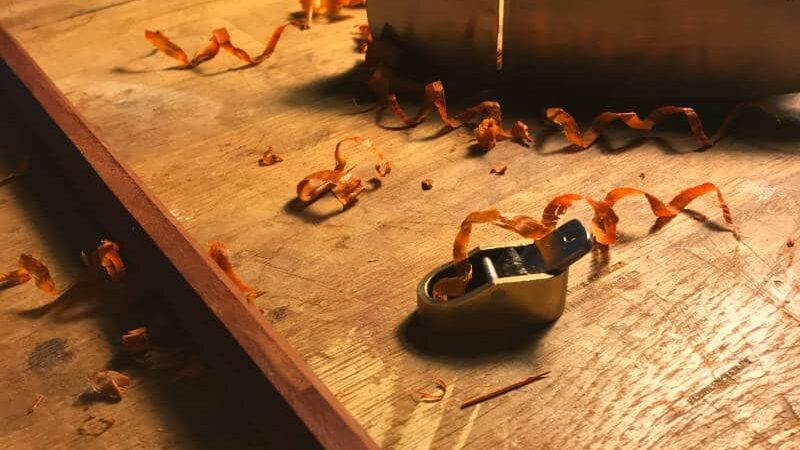Fabrication d'archet - Rabotage de baguette
