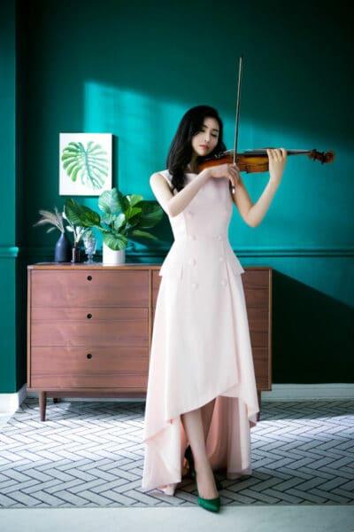 Votre professeur de violon Erica JANG