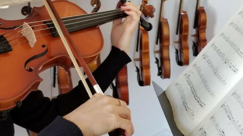 Jouer le violon le moins cher