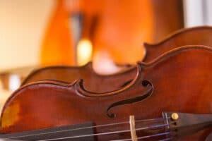 Les avantages de choisir un violon ancien ou contemporain