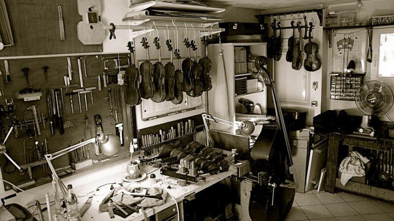 Mes anciens établis de luthier à Roquebrune