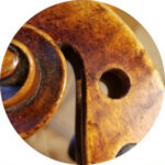 Réparation et restauration d'alto dans un atelier de luthier à Strasbourg.